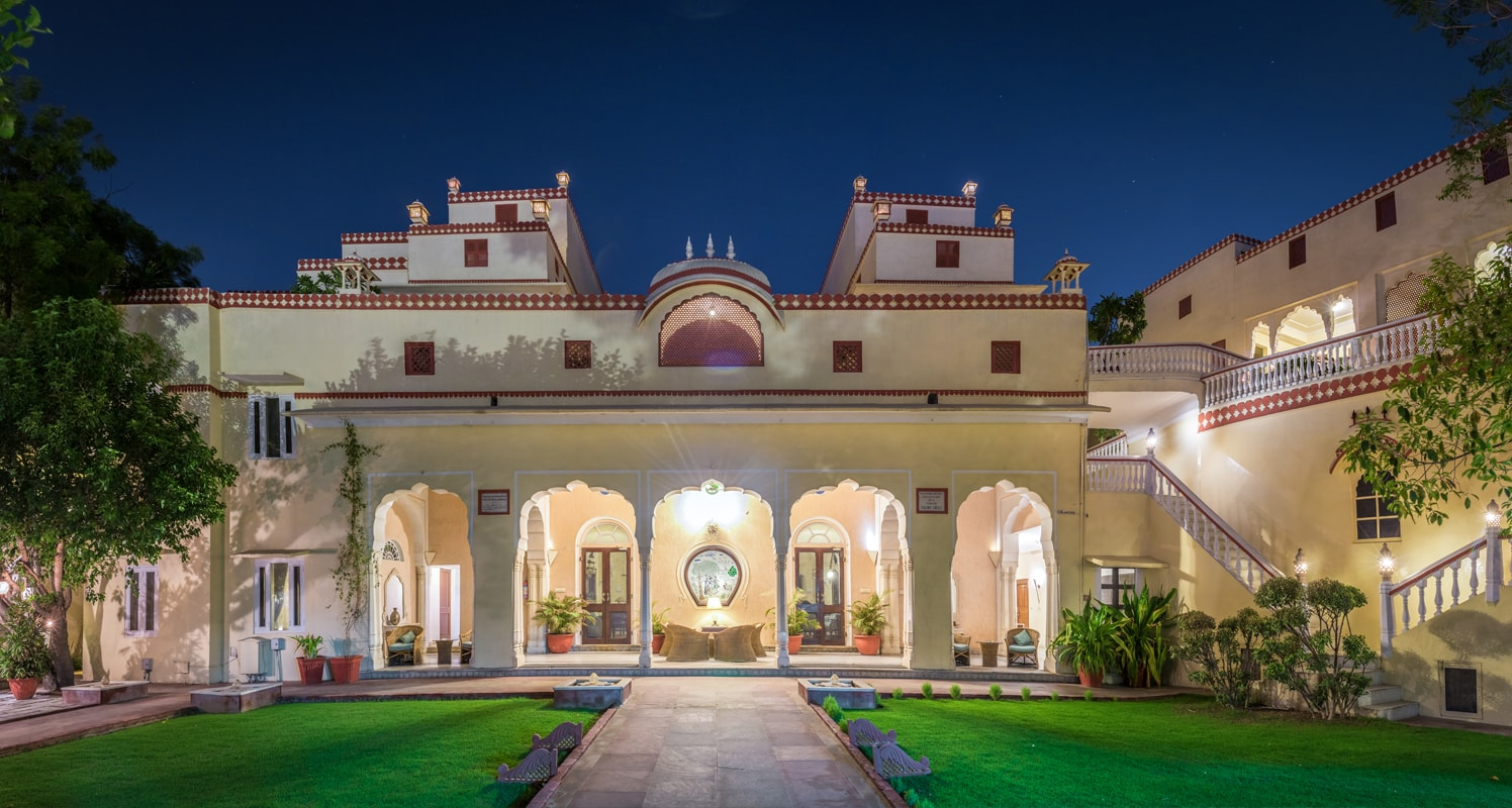 Mandawa Haveli - A Beautiful Haveli Turned Hotel in the Heart of Jaipur